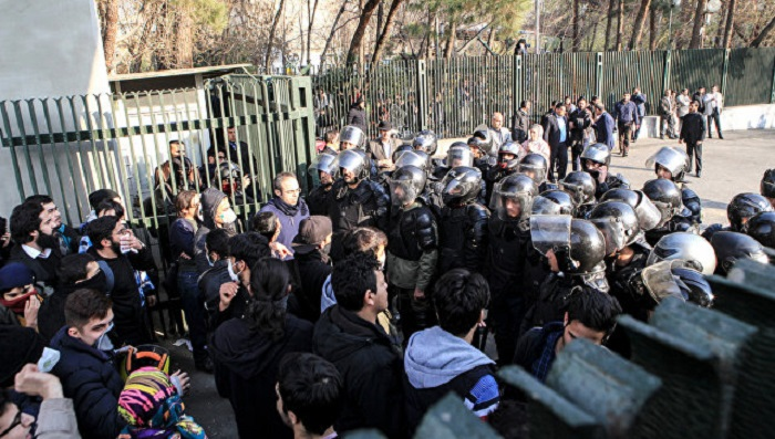 İrandakı etirazların arxasında 3 ölkə dayanır