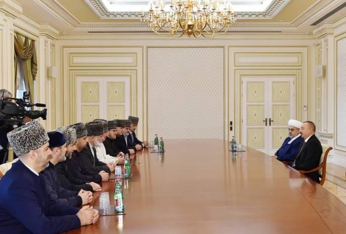 """""""Müsəlman ölkələrində narahatlıq doğuran problemlər var"""" - Prezident"""
