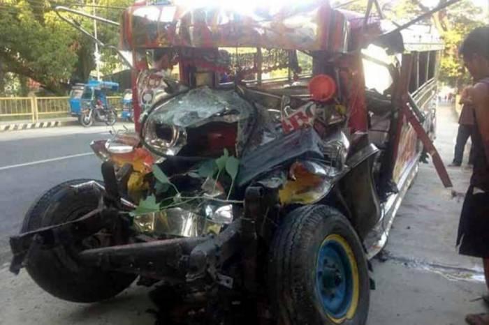 Avtobus qəzasında 20 nəfər ölüb