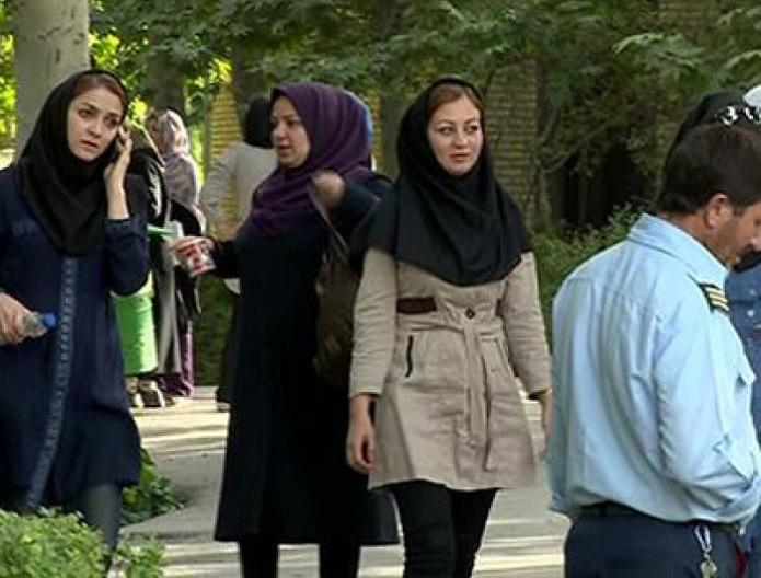 İnqilabi qərar: İranda qadınlara geyim azadlığı verilir