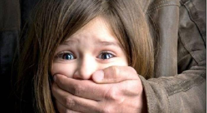 Ermənistanda 10 yaşlı qız borca görə girov götürülüb
