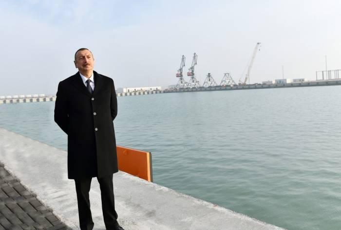 Prezident Ələtdə terminalın açılışında - Yenilənib (FOTOLAR)