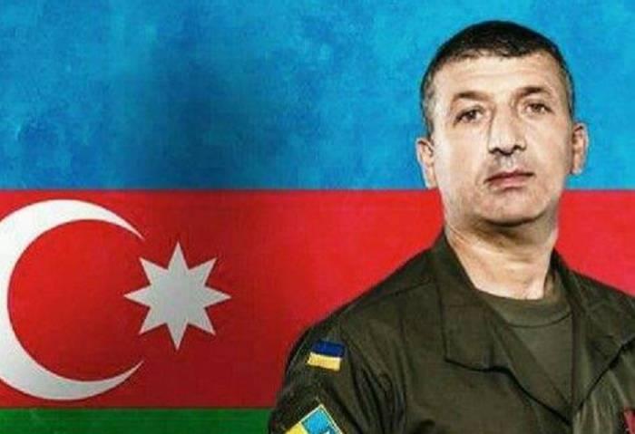 Ukrayna prezidenti azərbaycanlı hərbçini mükafatlandırdı - FOTO