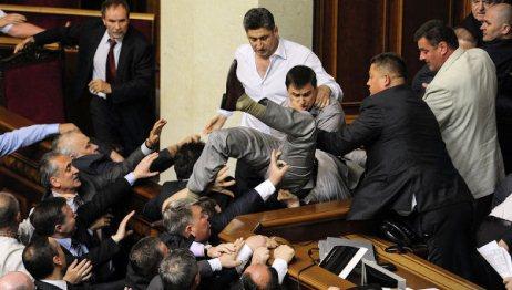 Parlamentindəki böhran dərinləşdi
