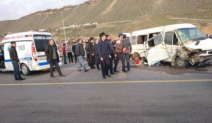 Sabirabadda avtobus aşdı: 2 ölü, 9 yaralı