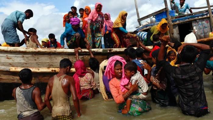 La ONU cifra en 370.000 los rohinyás huidos a Bangladesh en últimas dos semanas