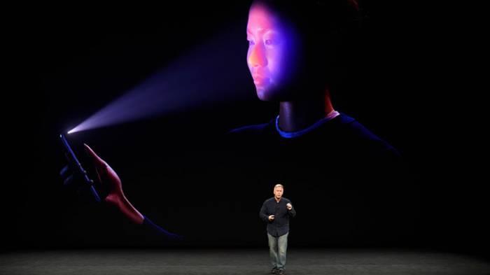 Incómodo momento: El iPhone X no reconoce el rostro del presentador en pleno evento de Apple (VIDEO)