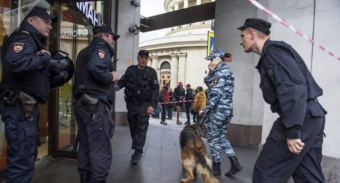 Falsas alarmas de bomba provocan evacuación de 7.000 personas en Moscú