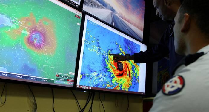 Autoridades dominicanas decretan alerta roja para 22 provincias por huracán María