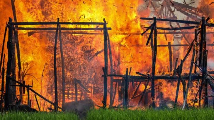 Amnistía Internacional: Casas rohingyas siguen ardiendo en llamas