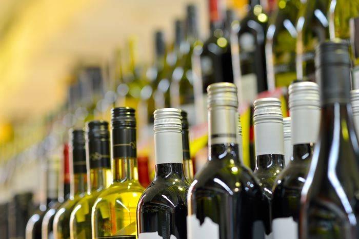 Aserbaidschans Handelshaus in Belarus wird alkoholische Getränke