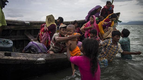 Se vuelca bote con musulmanes de Arakán a bordo