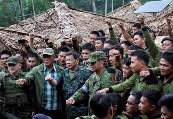 Duterte declara el fin de la guerra contra los yihadistas del EI en Marawi