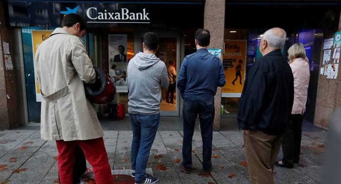 Los catalanes deciden castigar a los bancos 'traidores'