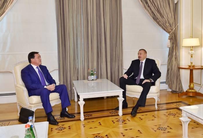 Ilham Aliyev recibe al viceprimer ministro kazajo