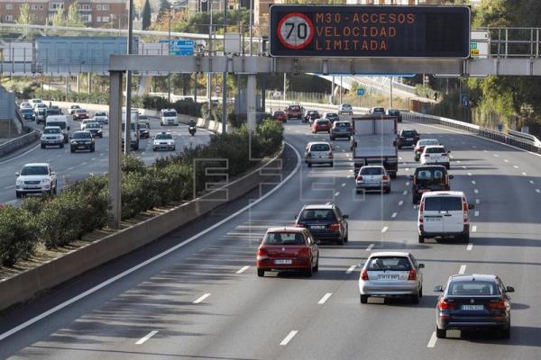 Madrid extiende al viernes el límite de velocidad a 70 km/hora en M-30 y accesos