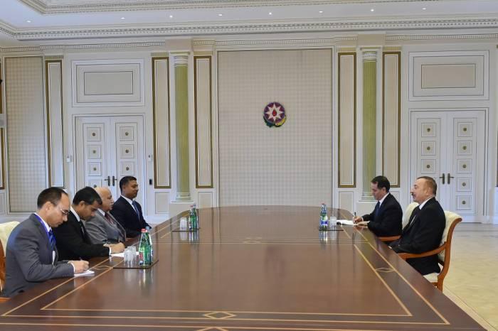 Ilham Aliyev recibe al ministro de Estado indio-Renovado