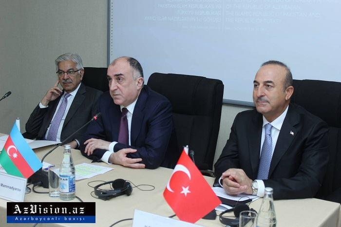 Azerbaiyán invita a Pakistán a unirse al BTK