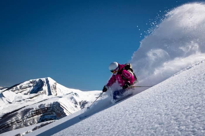 Mejores viajes de invierno: esquí en Azerbaiyán