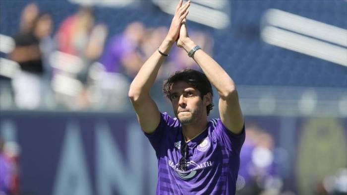 Kaká se despide de las canchas de fútbol