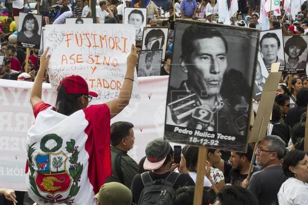 El indulto a Fujimori genera renuncias en el Gobierno y acciones para revertirlo