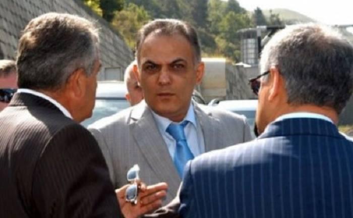 """Erməni nazir kriminal avtoritetlərə """"atıb"""""""