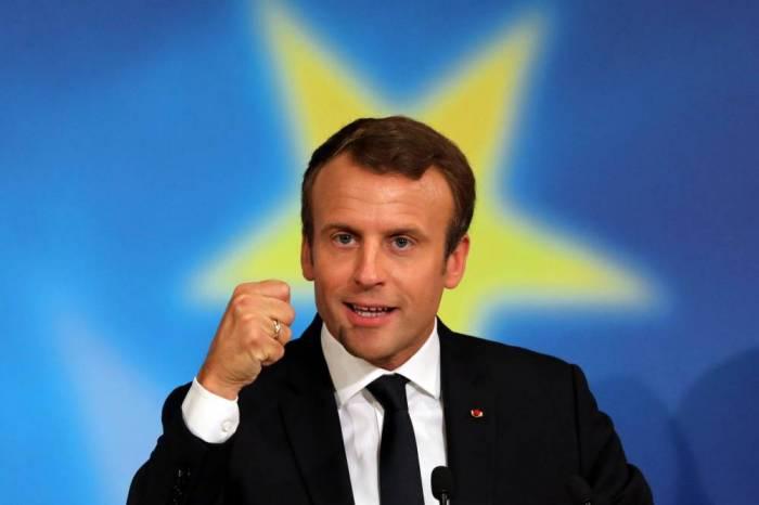 """Macron promete aumentar el control de los medios porque """"las noticias falsas amenazan la democracia"""""""
