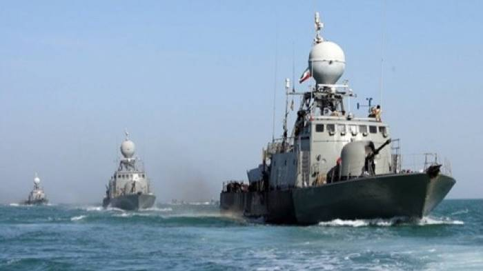 Dos desaparecidos tras colisionar un buque de guerra de Irán contra un rompeolas en las costas del mar Caspio