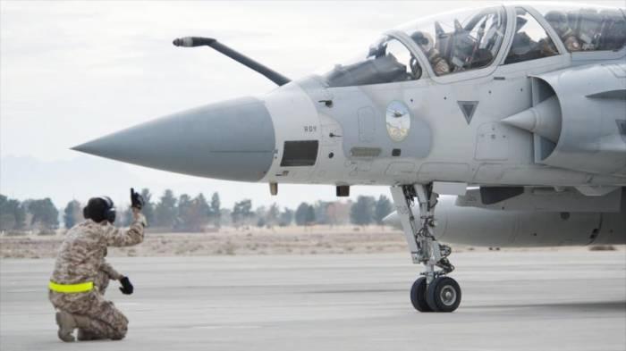 Catar denuncia que un avión militar emiratí violó su espacio aéreo