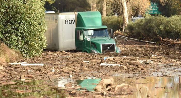Declaran la evacuación de 10.000 personas en California por inundaciones