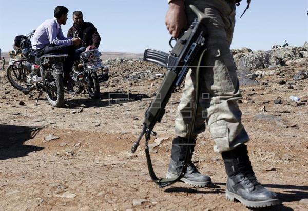 Combates cerca de Afrín entre las YPG y facciones sirias apoyadas por Turquía
