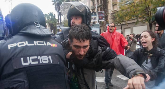 """HRW denuncia el """"uso excesivo"""" de la fuerza en el referéndum catalán"""