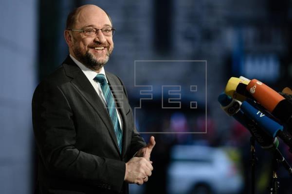 Personalidades del SPD se movilizan a favor del preacuerdo con Merkel