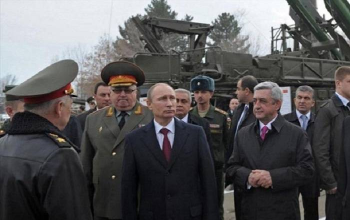 Rusiya Ermənistana 100 milyon dollarlıq hərbi kredit ayırır