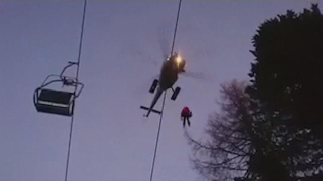 Austrian armed forces step in to rescue stranded people from ski lift - NO COMMENT