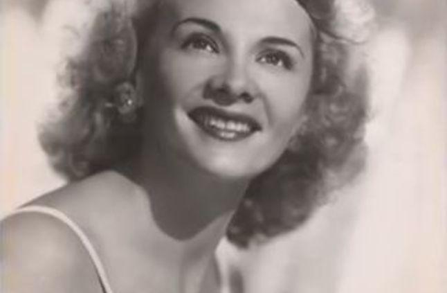 وفاة أقدم ممثلة في هوليوود عن عمر يناهز 106 أعوام