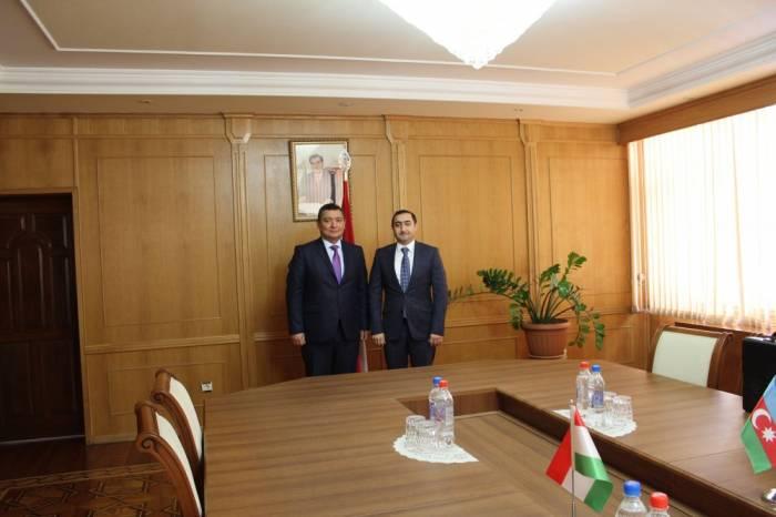 Azerbaijan, Tajikistan discuss how to develop bilateral cooperation