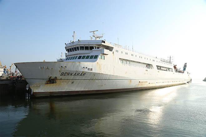 Azerbaijan repairing Turkmen ferry