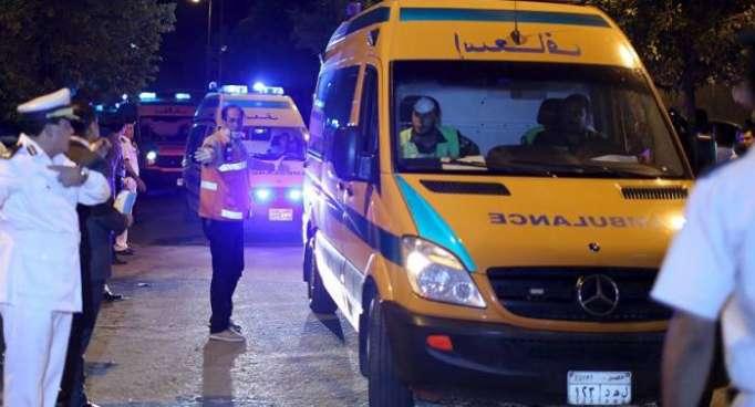 مقتل 10 أشخاص على الأقل في انهيار عقار في القاهرة