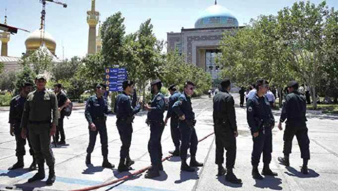 Man shot down after trying to enter Iran President's Office with machete