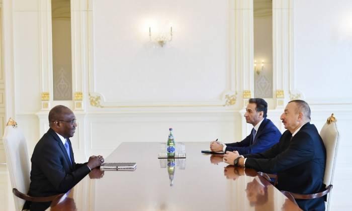 Presidente azerbaiyano admite al director ejecutivo de Smart Africa- Actualizado