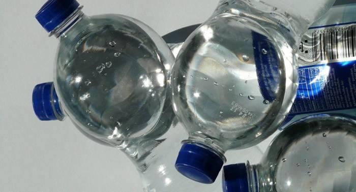 Der überraschende Grund, warum wir Flaschenwasser kaufen