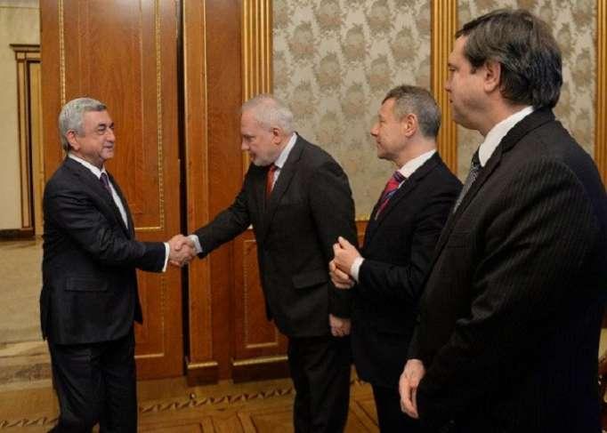 Copresidentes del Grupo de Minsk de la OSCE informan a Sargsyán sobre la reunión de Bakú