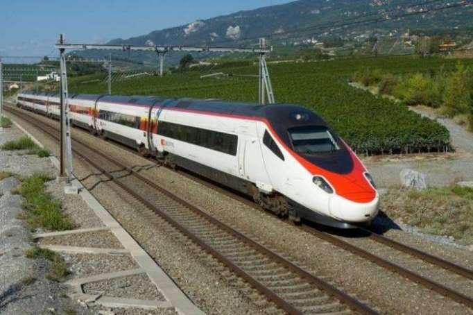Eisenbahnstrecke zwischen Baku und Wien