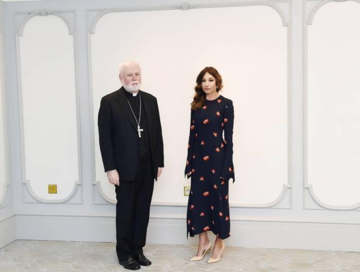 La première vice-présidente Mehriban Aliyeva a reçu la délégation du Saint-Siège