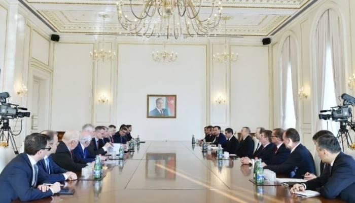Präsident Aliyev empfängt den Vorsitzenden des Ost-Ausschusses der Deutschen Wirtschaft - FOTOS