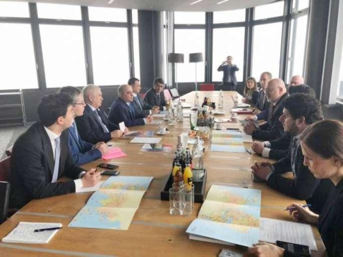 Aserbaidschan und Österreich diskutieren Möglichkeiten für Zusammenarbeit im Eisenbahnbereich