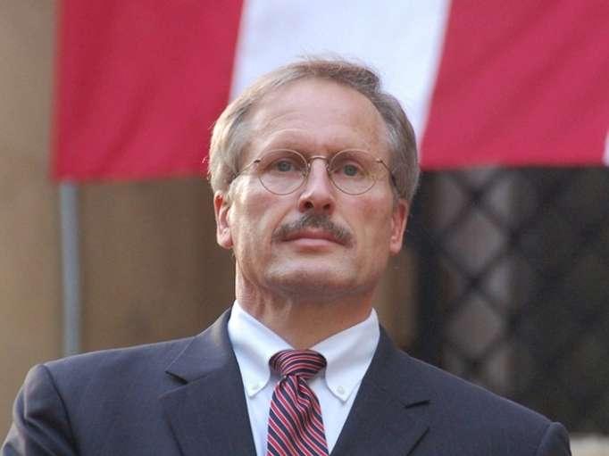 """""""EE.UU. siempre ha sido comprometido con el proceso de solución del conflicto de Karabaj"""" - Embajador Cekuta"""