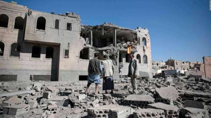 Hutíes perpetran un ataque con un dron contra un desfile militar de la coalición saudí en Yemen