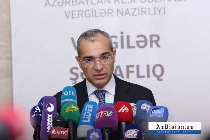 Azerbaijan needs to stimulate non-cash payments, says minister